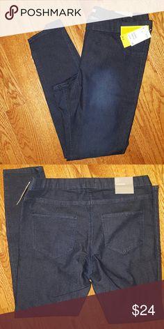H&m Super Slim Fit Jeans NWT Size 18 New dark blue H&M skinny pants Size 18 but fits a bit small Slim fit H&M Jeans