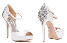 Cristales para decorar el tacón de vértigo por Badgley Mischka | Déjate seducir por los zapatos para novia 2015