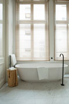 freestanding bath tub and beautiful black tap - Hotel Julien in Antwerp Belgium White Bathroom, Bathroom Interior, Beautiful Blinds, Adams Homes, Tadelakt, Ideas Hogar, Chic Bathrooms, Bathroom Styling, Mid Century Furniture