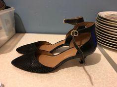 c2a36378 Clarks Artisan Ladies Kitten Heel Ankle Strapped Shoes Size 5.5 (201980) - Kitten  Heels