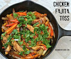 Our Chicken Fajita Toss will knock your socks off! It's got all the great Tex Mex flavors without all the guilt. Entree Recipes, Mexican Food Recipes, Diet Recipes, Chicken Recipes, Healthy Chicken, Clean Eating, Healthy Eating, Healthy Food, Yummy Food