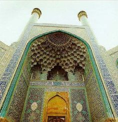 Masjid-i-Shah Mosque, Isfahan, Iran. One of the most beautiful buildings I've seen yet...