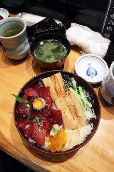 $12 chirashi sushi, Sashimi rice bowl in Tokyo