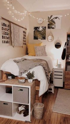 Your bedroom isn't just a place to keep your things and sleep. It should be a sanctuary that reflects all your tastes and personality. room bunk bed Ways To Decorate Your Room According To Your Personality Type College Bedroom Decor, Room Ideas Bedroom, Small Room Bedroom, Dorm Rooms, Bedroom Inspo, Bedrooms Ideas For Small Rooms, Cool Rooms For Teenagers, Boho Teen Bedroom, College Bedrooms