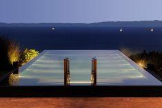 CONTEMPORARY BALINESE-STYLE ESTATE villa pool