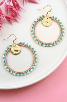 Grandes Boucles d'oreilles Créoles Miyuki Kawaii Brick Stitch - Old Tutorial and Ideas Bar Stud Earrings, Heart Earrings, Bridal Earrings, Beaded Earrings Patterns, Beaded Jewelry, Jewellery, Bead Patterns, Bead Earrings, Make Jewelry