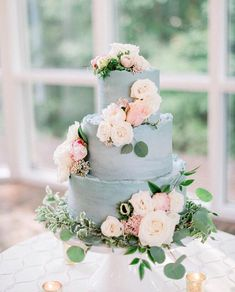 31 Classic Blue Wedding Cakes To Blow Your Mind Away Textured Wedding Cakes, Purple Wedding Cakes, Cool Wedding Cakes, Beautiful Wedding Cakes, Beautiful Cakes, Wedding Cake Images, Wedding Cake Designs, Sky Blue Weddings, Gold Weddings