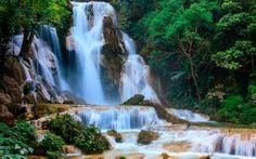 Водопад Куанг Си, Лаос. Десятью метрами ниже второго каскада расположена небольшая пещера.