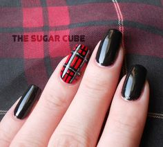 The Sugar Cube: Plaid Dress and Nailart To Match