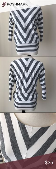 White/Silver 3/4 Sleeves Stripe Top Lightweight 3/4 sleeves top, 3/4 sleeves, white/silver stripe pattern. White House Black Market Tops