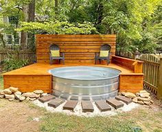 Learn the quick answers to the top 8 FAQs about stock tank pools! How do you keep stock tank pools clean? Pool Diy, Diy Swimming Pool, Stock Pools, Stock Tank Pool, Small Backyard Patio, Backyard Patio Designs, Backyard Pools, Pool Landscaping, Backyard Hot Tubs