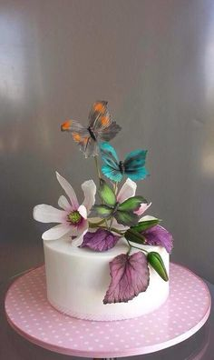 {I ADORE these three Butterflies by Unusual cakes for you}