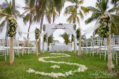 Hermosa decoración para una ceremonia civil en jardin, Bodas Huatulco.