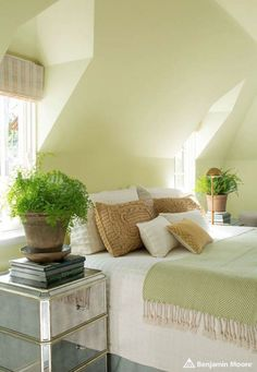 GUILFORD GREEN – Benjamin Moore Colour Of The Year 2015   ROWE SPURLING PAINT COMPANY