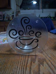 Can be made with silhouette Diy Cutting Board, Glass Cutting Board, Vinyl Cutting, Custom Woodworking, Woodworking Projects Plans, Vinyl Crafts, Vinyl Projects, Craft Projects, Dollar Store Crafts