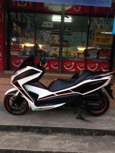 Honda Forza 300 Standard Honda Motorcycles, Cars And Motorcycles, Scooter Design, Vespa, Yamaha, Bike, Vehicles, Motorbikes, Motorcycles