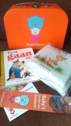 Toen mijn zoontje 3 maanden oud werd kreeg ik via het consultatiebureau een ophaalkaart voor een gratis BoekStart koffertje. De bibliotheek zit in hetzelfde gebouw dus ik ben direct langs gegaan.B…