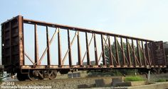 SOO+601243+Centerbeam+Flat+Railcar%2C+Soo+Line+Railroad+Center+Beam+Lumber+Wood+Rail+Car+NS+Norfolk+Southern+Railroad+Yard+Macon+Georgia.JPG (1600×856)