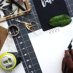 Le statut d'auto entrepreneur est certes gratuit. Mais qu'en est-il vraiment des dépenses additionnelles ? Peut-on monter une micro entreprise sans débourser ? Micro Entrepreneur, All Tools, Le Web, Business Management, Letting Go, Creations, How To Plan, Photo And Video, Site Vitrine