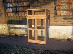 pallet-aviary-or-kitchen-crockery-cabinet.jpg (960×720)