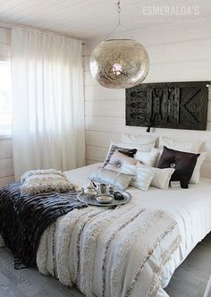 Interior With A Silver Lining Moroccan Style Bedroom, Morrocan Decor, Awesome Bedrooms, Beautiful Bedrooms, Home Bedroom, Bedroom Decor, Master Bedrooms, Dream Rooms, Interior Inspiration