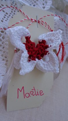 Martisor- Brosa fluturas crosetat de camydesigns Breslo Projects To Try, March, Traditional, Stitch, Knitting, Crochet, How To Make, Tejidos, Needlepoint