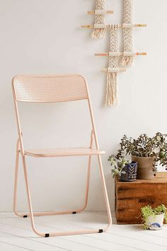 dusty peach folding chair, pantone pale dogwood, rose quartz, dusty pink, dusty peach, dusty rose, blush peach, blush rose, blush pink