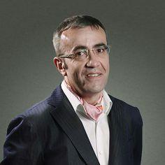 Гарретт Джонстон -  Международный эксперт в области маркетинга, совладелец и член совета директоров швейцарской компании Brainstore.