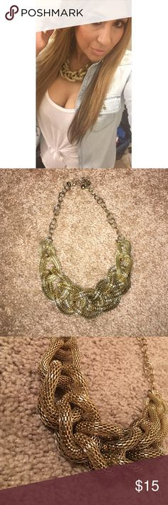 Express Gold Chunky Chain Link Statement Necklace Love this but its had its time in my closet. Great condition just the chain has natural wear but not noticeable when worn. If you have longer hair it's perfect ❤️ Express Jewelry Necklaces