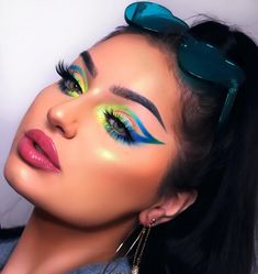14 + What are the advantages of permanent makeup?, 14 + What are the advantages of permanent makeup? - 1 Permanent make-up has many different advantages for both brunette, auburn and blonde women. Makeup Eye Looks, Crazy Makeup, Cute Makeup, Glam Makeup, Baddie Makeup, Eyeshadow Makeup, Crazy Eyeshadow, Neon Eyeshadow, Beauty Makeup