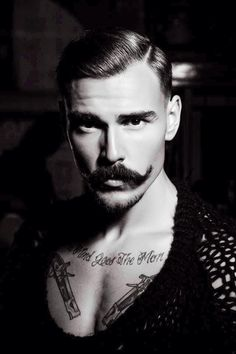 I know this is a beard board, but this moustache needs a shout out! Mustache Styles, Beard No Mustache, Handlebar Mustache, Hot Men, Sexy Men, Moustaches, Gq, Brust Tattoo, Top Imagem