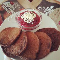 Banános-karobos puffancs 6db Pancakes, Breakfast, Food, Morning Coffee, Eten, Meals, Pancake, Morning Breakfast, Crepes