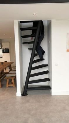 Home Stairs Design, Home Room Design, Small House Design, Modern House Design, Door Design, Home Interior Design, Staircase Design Modern, Spiral Stairs Design, Stair Design
