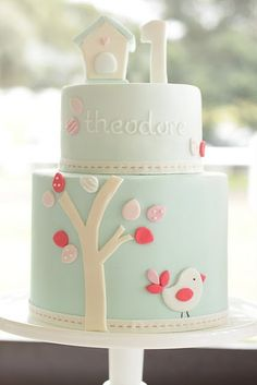 Beautiful cake - surely not THAT difficult??!