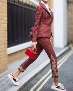 The 105 Best Street Style Pics From London Fashion Week - Fashion Ideas - Fashion Trends Look Street Style, Street Style Trends, Street Chic, Look Fashion, Girl Fashion, Fashion Outfits, Womens Fashion, Fashion Trends, Fashion Clothes