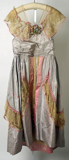 Gray and pink silk evening dress with lace trim, by Lucile, British, 1915-16.