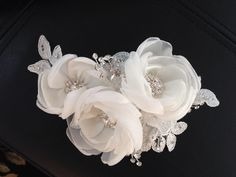 Spotted this hair piece yesterday. Really like this. Problem is that it is white, rather than ivory. Won't match my dress