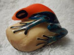 Embera Poison Dart Frog Tagua Carving-Panama 16021511L