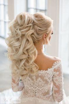Best Ideas For Wedding Hairstyles : Featured Hairstyle: Elstile; Wedding Makeup Tips, Wedding Beauty, Bridal Makeup, Wedding Hairstyles For Long Hair, Bride Hairstyles, Bouffant Hair, Elegant Wedding Hair, Trendy Wedding, Mid Length Hair