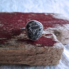 Sterling Silver Beach Stone Ring. Sea Stone Ring. Beach Pebble Ring. Beach Stone Jewelry. Black Stone Ring. Black and White Ring. Sea Glass Jewelry, Stone Jewelry, Black And White Rings, Beach Stones, Gift For Lover, Stone Rings, Cufflinks, Sterling Silver, Dress