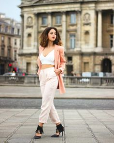 Apparently pink happens midweek in Paris. More great looks by @lenamahfouf on our app (link in bio). Those shoes though!!! #paris #style #fashion #fashionblogger #glamhive #pink #shoes #shoegasm #ootd