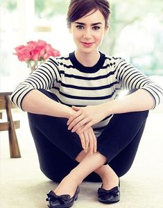 Lily Collins styles her London Sole Knightsbridge flat with a pair of black cropped trousers and a classic striped tee. Lily Collins styles her London Sole Knightsbridge flat with a pair of black cropped trousers and a classic striped tee. French Woman, French Girl Style, French Lady, French Fashion, Look Fashion, Girl Fashion, Fashion Dresses, Woman Dresses, Classic Fashion