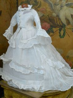 ~~~ Fantastic All Original Antique White Muslin Gown for French Poupee ~~~