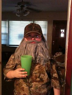 Uncle Si for a boys Halloween Costume... Brilliant!