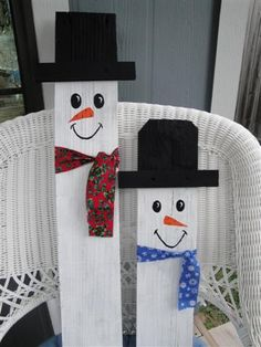 Snowmen From Fencing Boards Christmas Wood Crafts, Christmas Signs Wood, Snowman Crafts, Christmas Angels, Rustic Christmas, Christmas Projects, Christmas Crafts, Fence Post Crafts, Fence Board Crafts