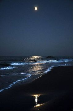 Image may contain: ocean, sky, water, outdoor and nature Beautiful Moon, Beautiful Places, Beautiful Pictures, Landscape Photography, Nature Photography, Beach At Night, Ocean At Night, Moon Pictures, Night Skies