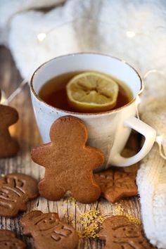 Jak zrobić ciasto na pierniczki Xmas Food, Food Photo, Warm And Cozy, Gingerbread Cookies, Christmas Diy, Yummy Food, Yummy Recipes, Sweets, Baking