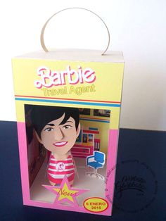 #custompapertoys #papercraft #gift #regalo #original #papel #personalizado #papertoys #aniversario #barbie #doll