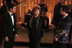 [UHQ] Blaine (Darren Criss), Kurt (Chris Colfer), and June (Shirley MacLaine) in 5.20, The Untitled Rachel Berry Project.