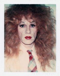 O Homem Que Sabia Demasiado: Os auto-retratos de Andy Warhol